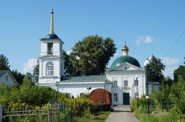 hram-dimitriya-solunskogo-1-700x465