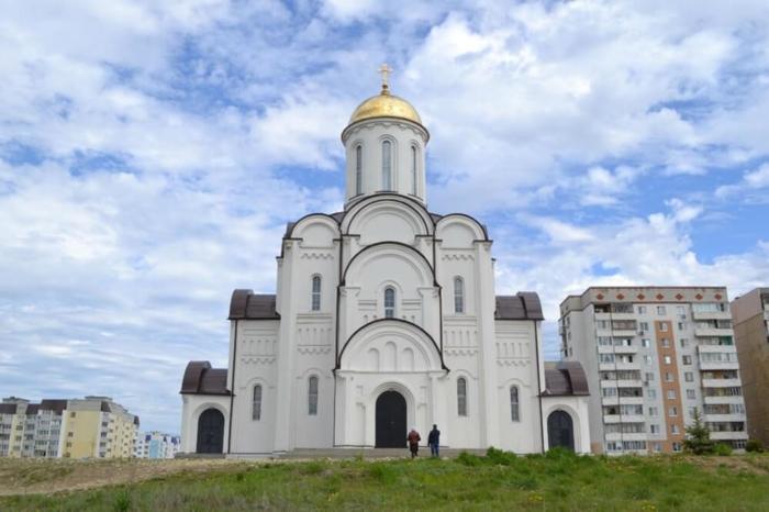 hram-georgiya-pobedonostsa-2-700x466