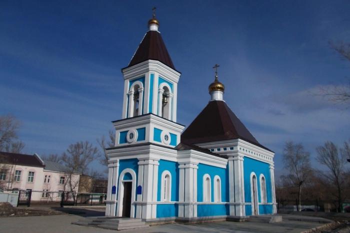 hram-ikony-nechayannaya-radost-700x467