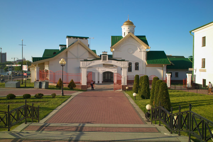 hram-kirilla-turovskogo-700x467