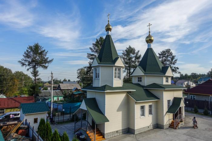 hram-mitrofana-voronezhskogo-700x467