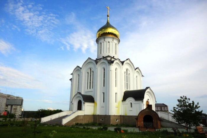 hram-novomuchenikov-i-ispovednikov-700x466