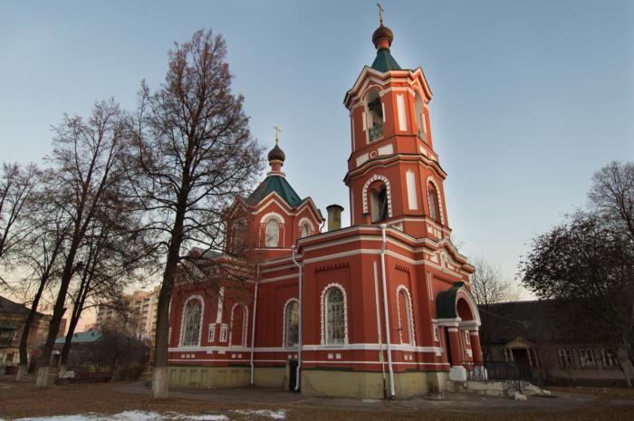 hram-uspeniya-presvyatoi-bogoroditsy-700x465