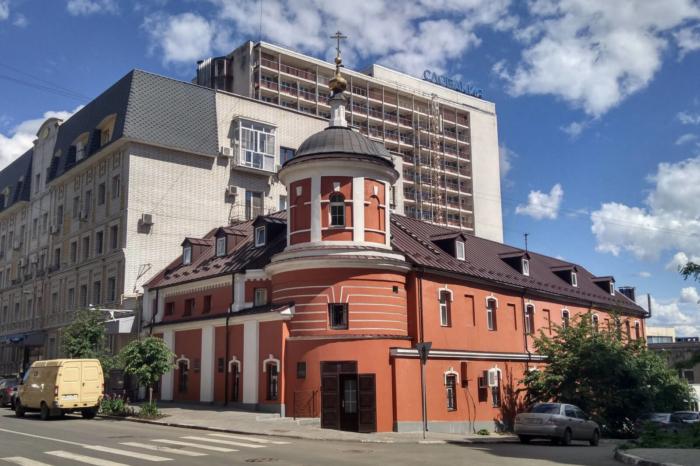 krestovozdvizhenskaya-tserkov-700x466