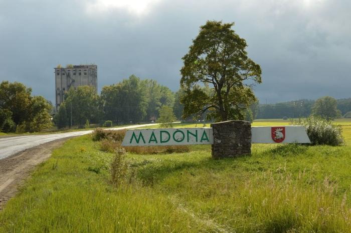 madona-700x465
