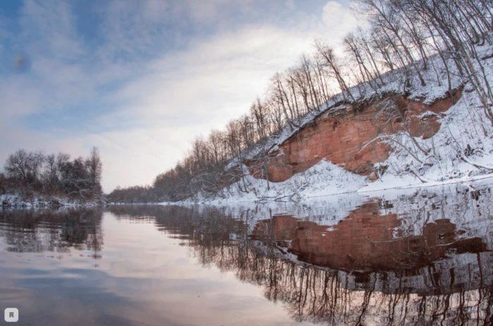 obnazheniya-devona-na-reke-oredezh-u-pose-lka-yam-te-sovo-700x463