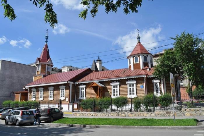 pokrovskaya-tserkov-700x465