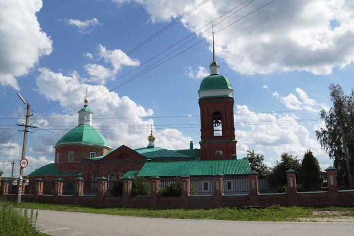 pokrovskii-hram-mervino-700x467