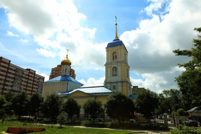 svyato-nikolskii-hram-na-rzhavtse-700x467