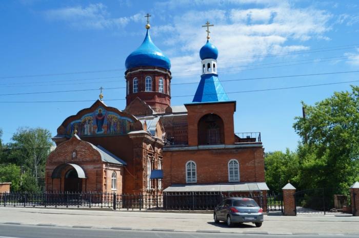 svyato-pokrovskii-feodosievskii-hram-700x465