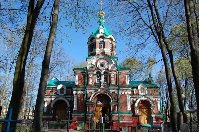 tserkov-aleksandra-nevskogo-1-700x465