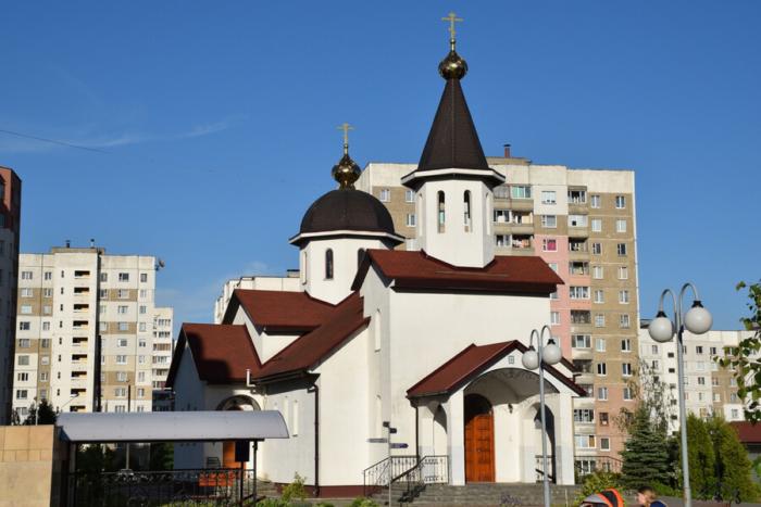 tserkov-ksenii-peterburgskoi--700x467