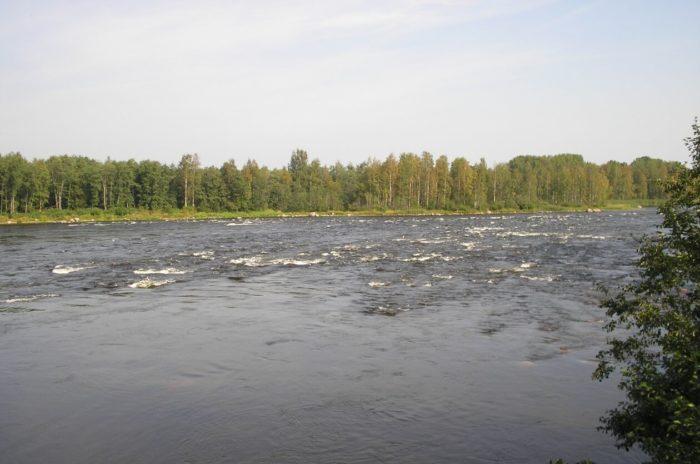 vodopad-padunets-na-reke-burnaya-700x464