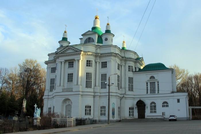 vsehsvyatskii-sobor-700x467