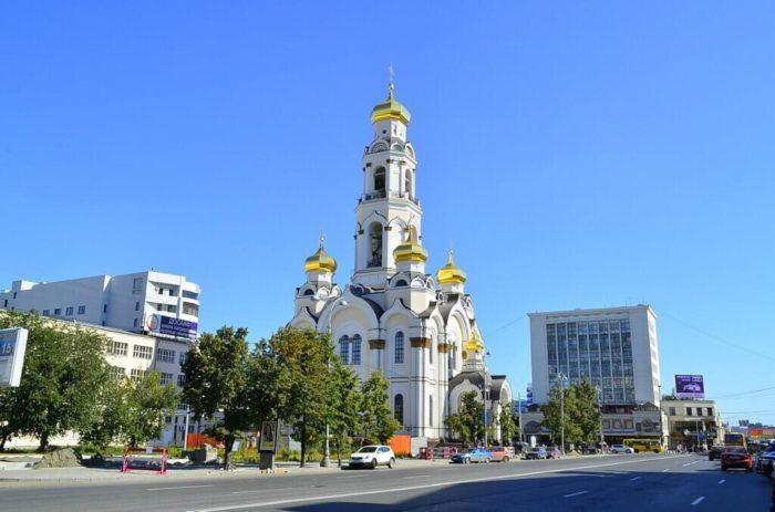 hram-bolshoy-zlatoust-700x463