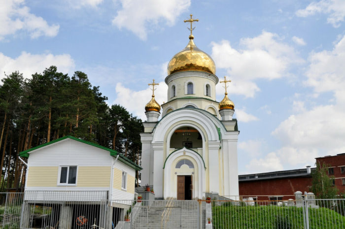 hram-georgiya-pobedonostsa-700x465