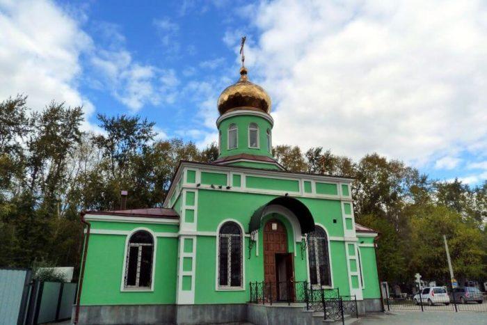 hram-svyatoy-blazhennoy-ksenii-peterburgskoy-700x467