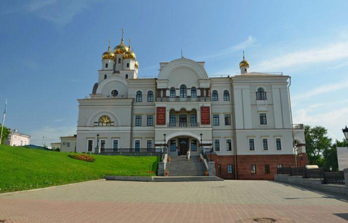hram-vo-imya-svyatitelya-nikolaya-chudotvortsa-700x450