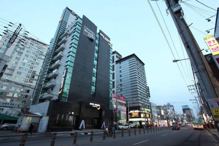yi-dzhonbu-700x467