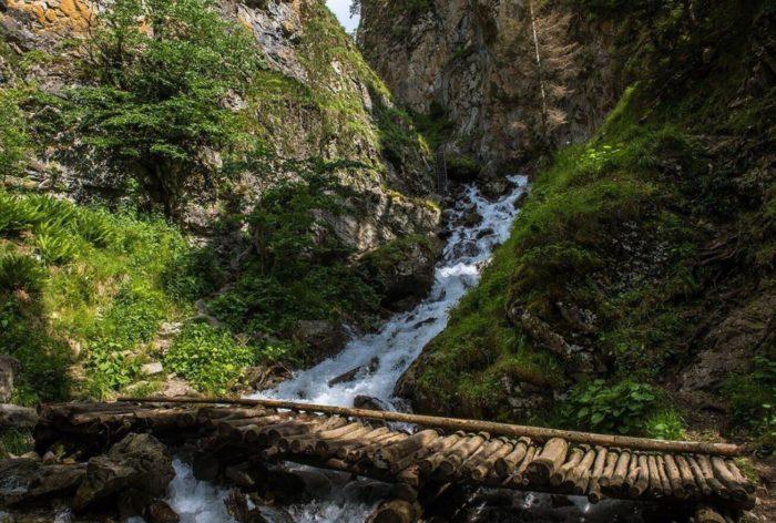 vodopad-shumka-700x472
