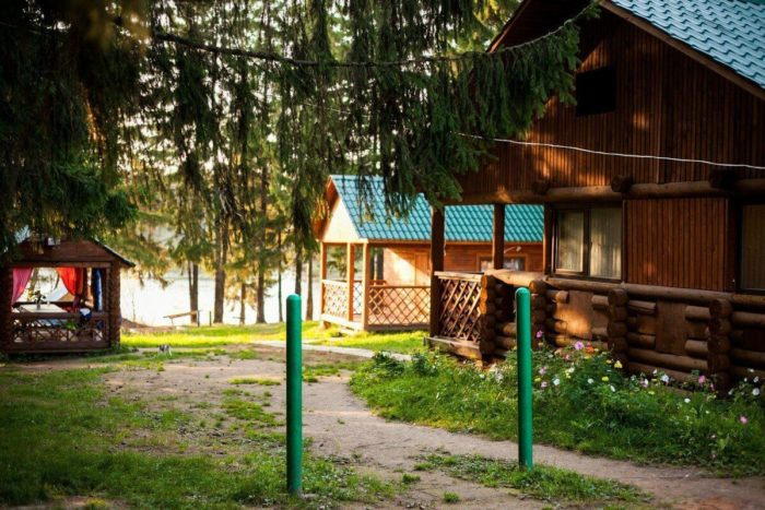 baza-otdyha-moldavanskiy-prud-700x467
