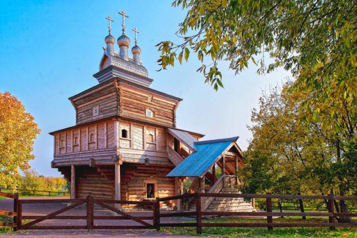 derevyannaya-tserkov-georgiya-pobedonostsa-700x467