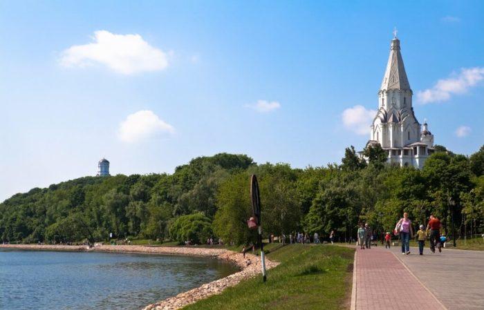 naberezhnaya-moskva-reki-700x449