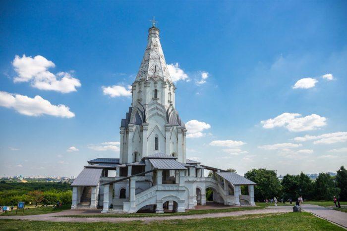 tserkov-vozneseniya-gospodnya-700x467