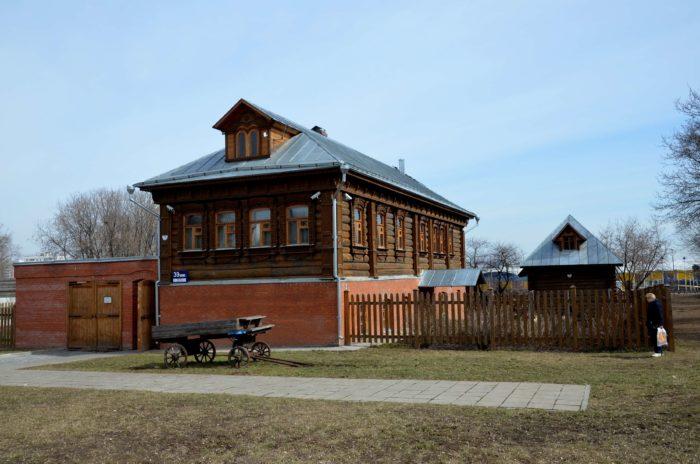 usadba-kolomenskogo-krestyanina-700x464
