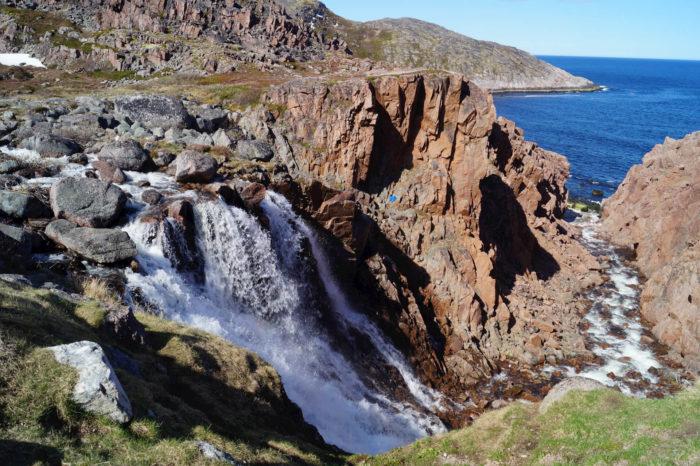 vodopad-malogo-batareyskogo-ozera-700x466