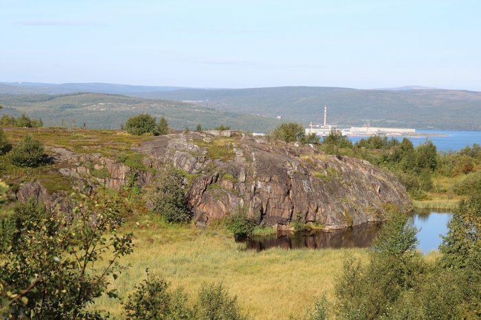 baraniy-lob-u-ozera-semyonovskoe-700x466