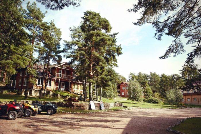 baza-otdyha-okunyovaya-700x466