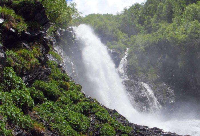 chuchhurskie-vodopady-700x479
