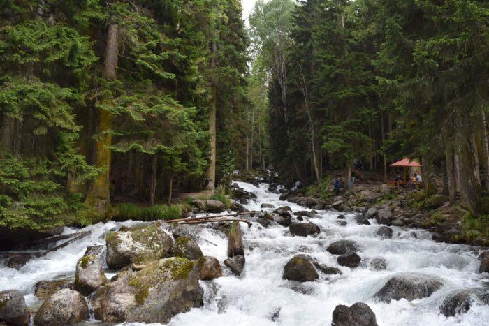 dolina-reki-ullu-murudzhu-700x467