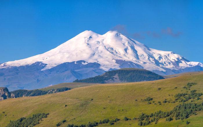 gora-elbrus-700x438