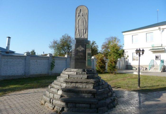 pamyatnik-pogibshim-v-lokalnyh-voynah-700x479