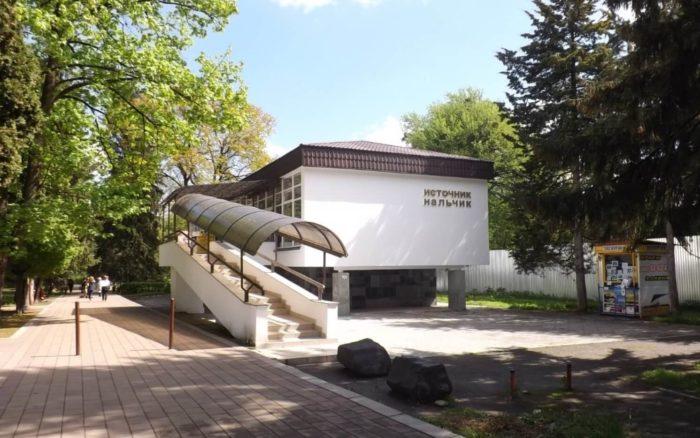 pitevaya-galereya-istochnik-nalchik-700x438