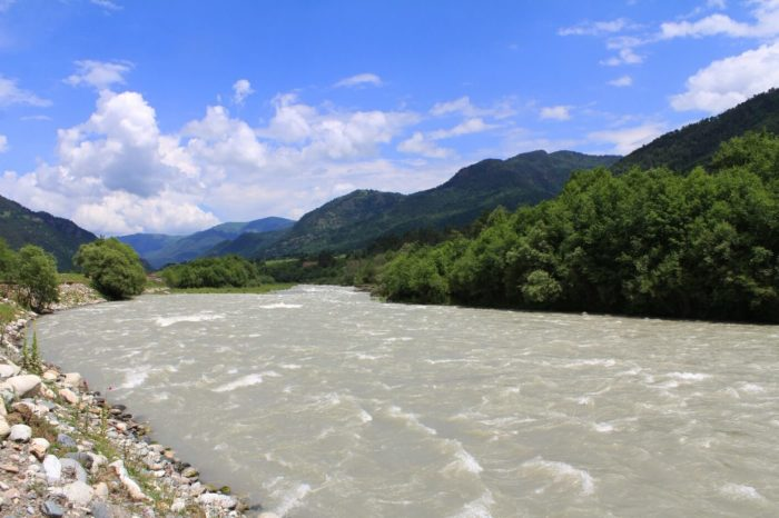 reka-teberda-1-700x466