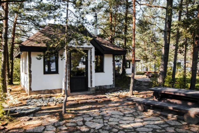 territoriya-otdyha-hevaa-700x467