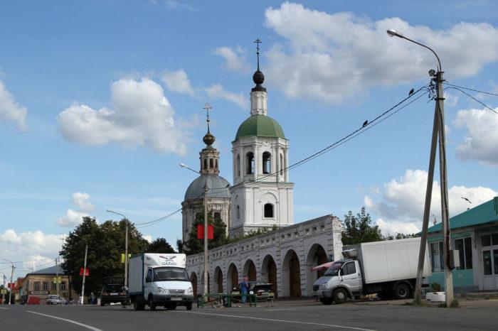 tserkov-troitsy-zhivonachalnoy-700x466
