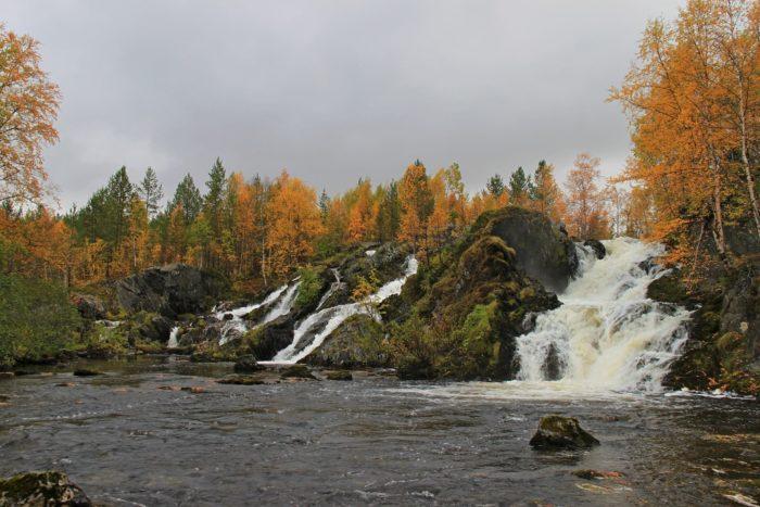 vodopad-na-reke-shuoniyok-700x467
