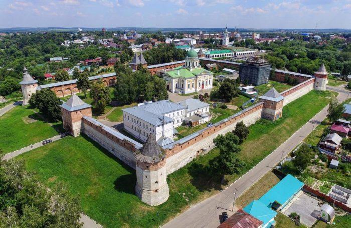zarayskiy-kreml-700x455