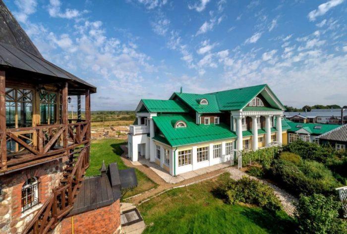 agrokulturnyy-turisticheskiy-kompleks-bogdarnya-700x472