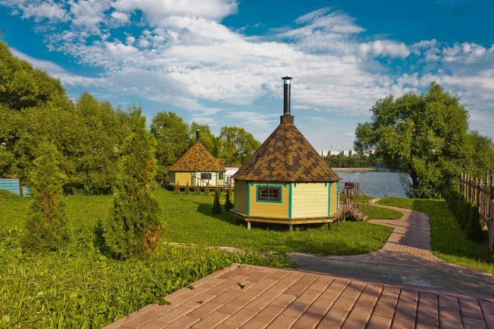 barbekyu-park-zelenyy-mys-700x467