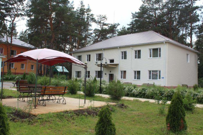 baza-otdyha-lesovichok-700x467