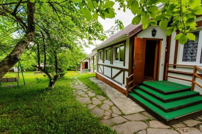 baza-otdyha-snezhnaya-dolina-700x466