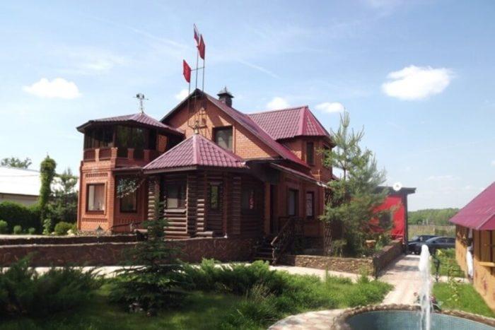 chastnyy-klub-imperiya-kochaki-700x467