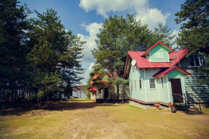dom-otdyha-ekaterininskaya-sloboda-700x467