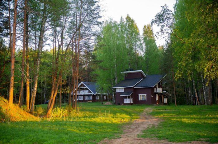 dom-otdyha-krasnyy-berezhok-700x465