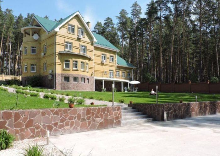 gostevoy-dom-villa-bogema-700x497